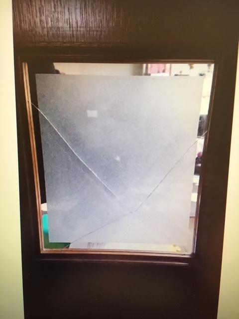 中スリ加工ガラスの写真