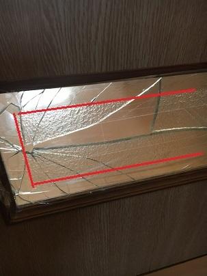 型板ガラスの幅広面取り加工ガラス